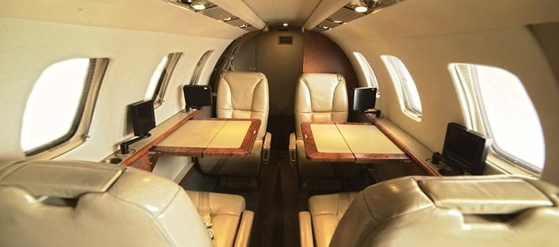 Flugzeug   TissoT Aviation et Services