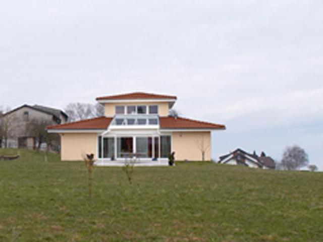 Grandcour Einfamilienhaus 6.5 Zimmer
