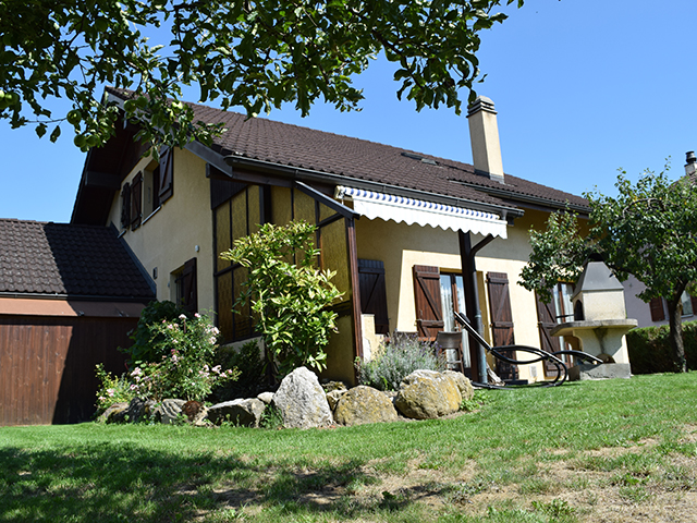 Aigle Detached House 5.5 Rooms