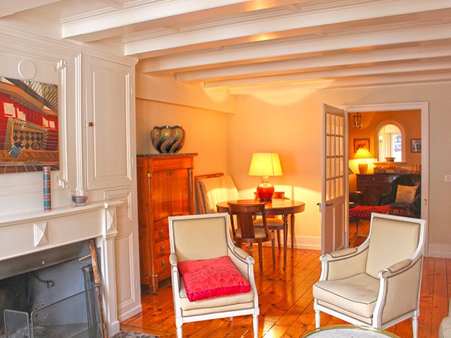 Rolle - Maison villageoise 8.5 Rooms - Sell buy TissoT real estate