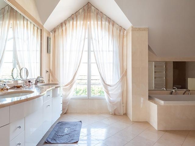 Vaucresson 92420 ILE-DE-FRANCE - Villa 6.5 pièces - TissoT Immobilier