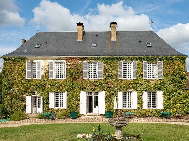 Saint-Sauveur - Magnifique Maison de maître 33.0 pièces - Vente immobilière France