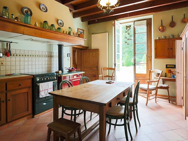 Saint-Martin-de-Laye TissoT Immobilier : Maison 10.0 pièces