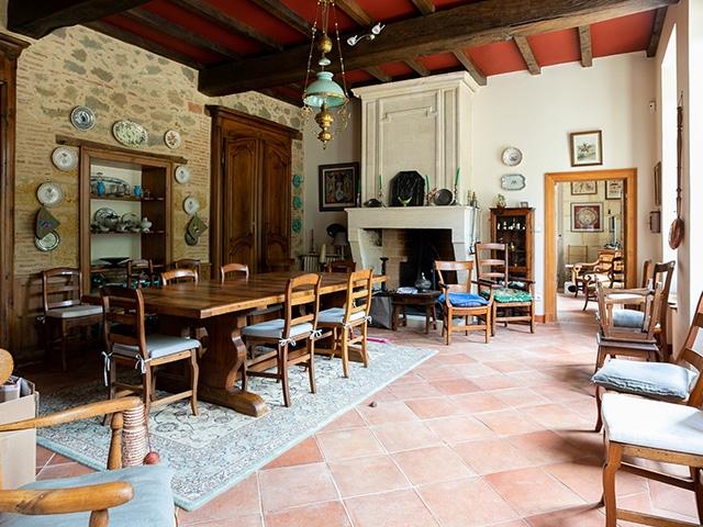 Saint-Martin-de-Laye 33910 AQUITAINE-LIMOUSIN-POITOU-CHARENTES - Maison 10.0 pièces - TissoT Immobilier