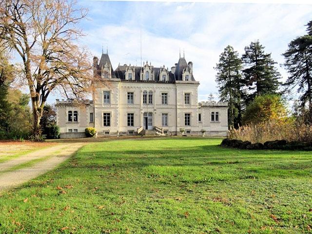 Bossay-sur-Claise -  Castle - Real estate sale France Luxury Real Estate TissoT
