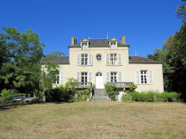 Saint-Pierre-le-Moûtier -  Castle - Real estate sale France Luxury Real Estate TissoT