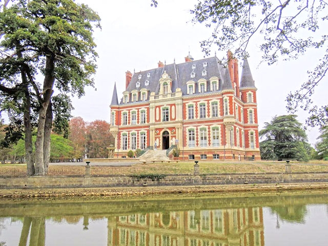 Baugy -  Castello - Immobiliare vendita Francia Appartamento Casa TissoT