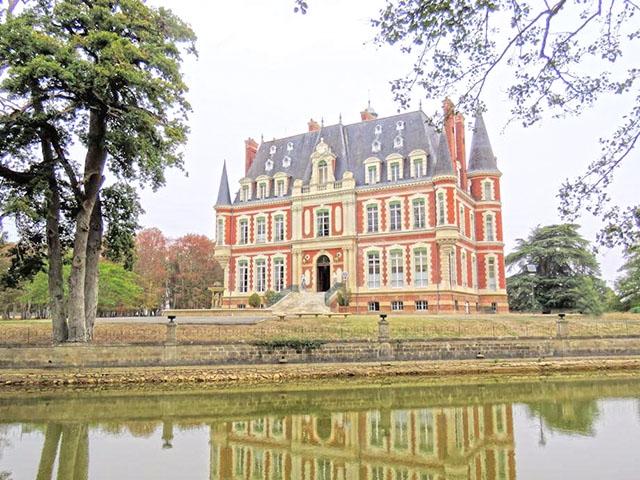 Baugy -  Castle - Real estate sale France Apartment House Switzerland TissoT