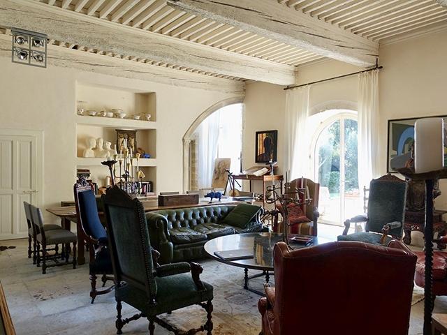 Cornillon-Confoux 13250 PROVENCE-ALPES-COTE D'AZUR - Château 15.0 pièces - TissoT Immobilier
