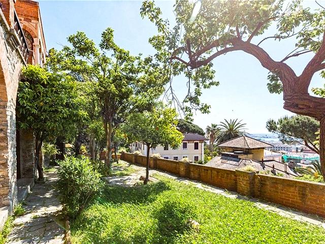 Genova - Maison 12.0 pièces