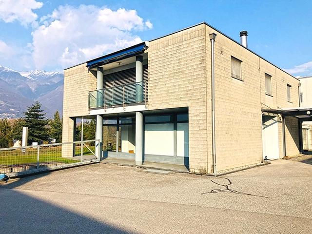 Quartino - Immobile commerciale e residenziale 11.0 locali