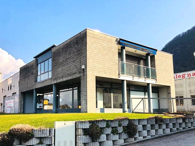 Immobiliare - Quartino - Immobile commerciale e residenziale 11.0 locali