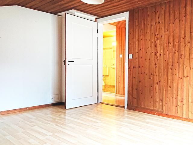 Bien immobilier - Kollbrunn - Ferme 8.0 pièces
