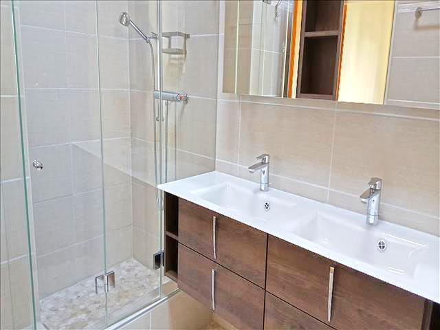 Reinach TissoT Realestate : Villa 8.5 rooms