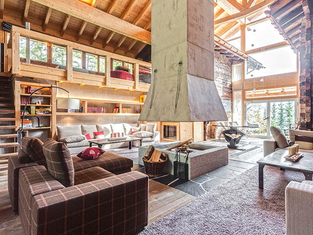 Crans-Montana -Chalet 7.5 rooms - purchase real estate chalet in the mountains