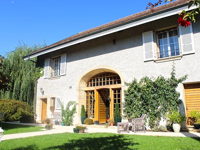 Etoy - Maison villageoise 8.5 pièces