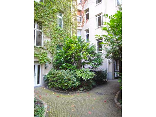 Berlin - Mitte - Immeuble commercial et résidentiel TissoT Immobilier - Vente achat transaction investissement rendement