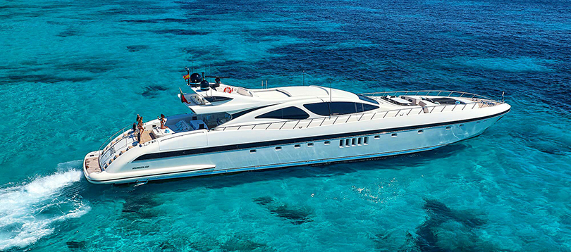 Acheter Superyacht Mangusta 130 Overmarine TissoT Yachts Switzerland