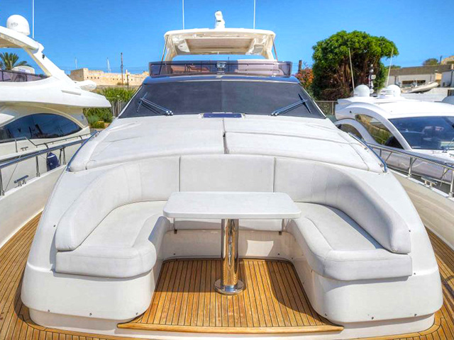 Yacht Ferretti 800 TissoT Realestate International