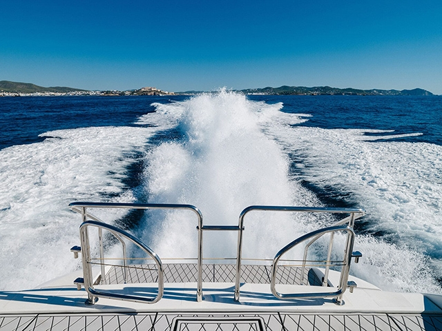 Yacht Overmarine Mangusta 80 Tissot Yachts International