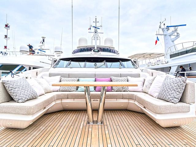 Yacht Sunseeker 131 TissoT Yachts Suisse
